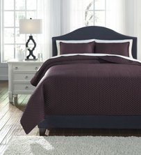 Picture of Dietrick Plum King Quilt Set