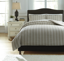 Picture of Navarre White King Duvet Set