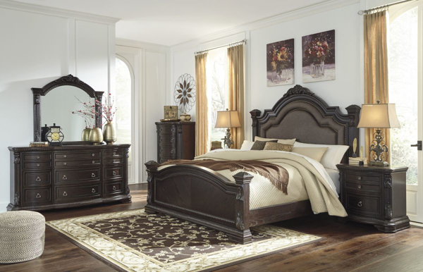Picture of Wellsbrook 6-Piece King Poster Bedroom Set