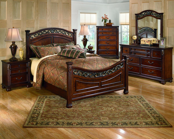 Picture of Leahlyn 6 Piece Panel Bedroom Set