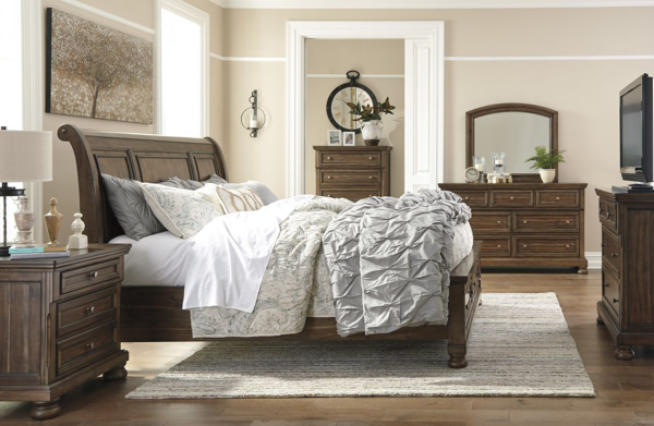 Picture of Flynnter 6-Piece Sleigh Bedroom Set