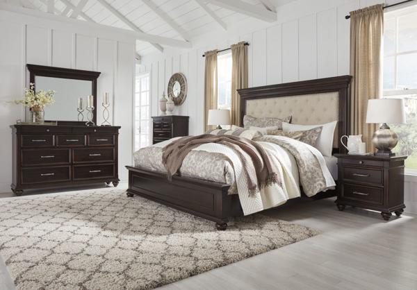 Picture of Brynhurst 6 Piece Upholstered Bedroom Set